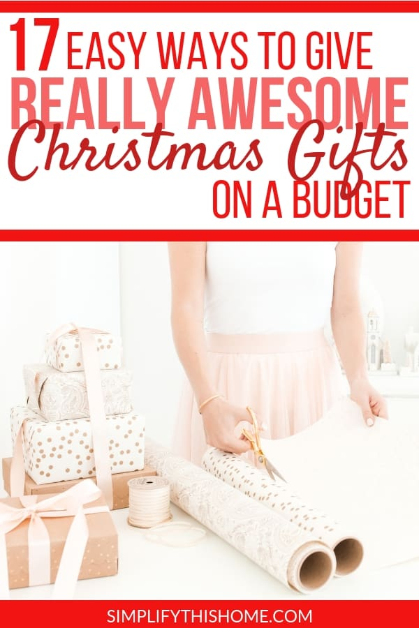 Giving awesome Christmas gifts on a budget really isn't that hard. All you need are these tips plus a little creativity to stick to your Christmas budget this year! | Christmas presents on a budget | Christmas shopping tips