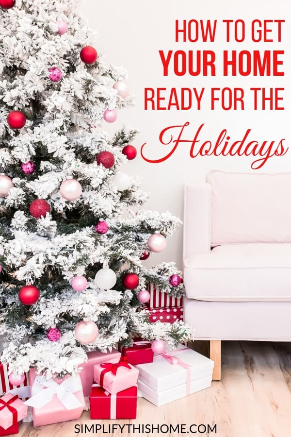 Overwhelmed by the thought of getting your house presentable for the holidays? No sweat! This holiday cleaning routine will solve that problem just in time for guests to arrive! Plus, you can get my free printable holiday cleaning checklist with my free holiday planner!