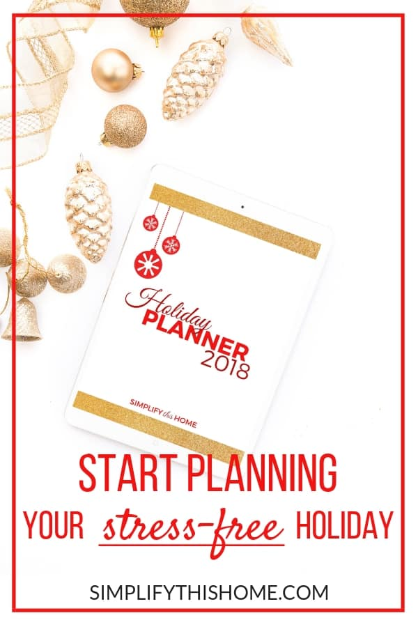 Start planning your stress-free holiday season with this free printable holiday planner! Packed with 24 printable pages, this planner is updated for 2018 so you can start organizing everything from Thanksgiving to Christmas! | holiday planning printables | holiday planning binder