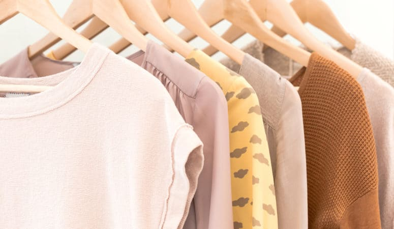 Decluttering Clothes: 5 Steps to a Clutter-Free Closet